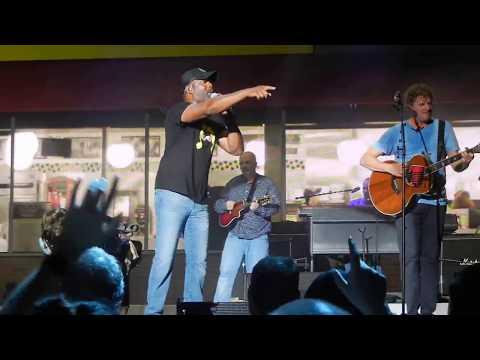 Hootie & the Blowfish - Hey Hey What Can I Do - Charleston, SC 8/11/17