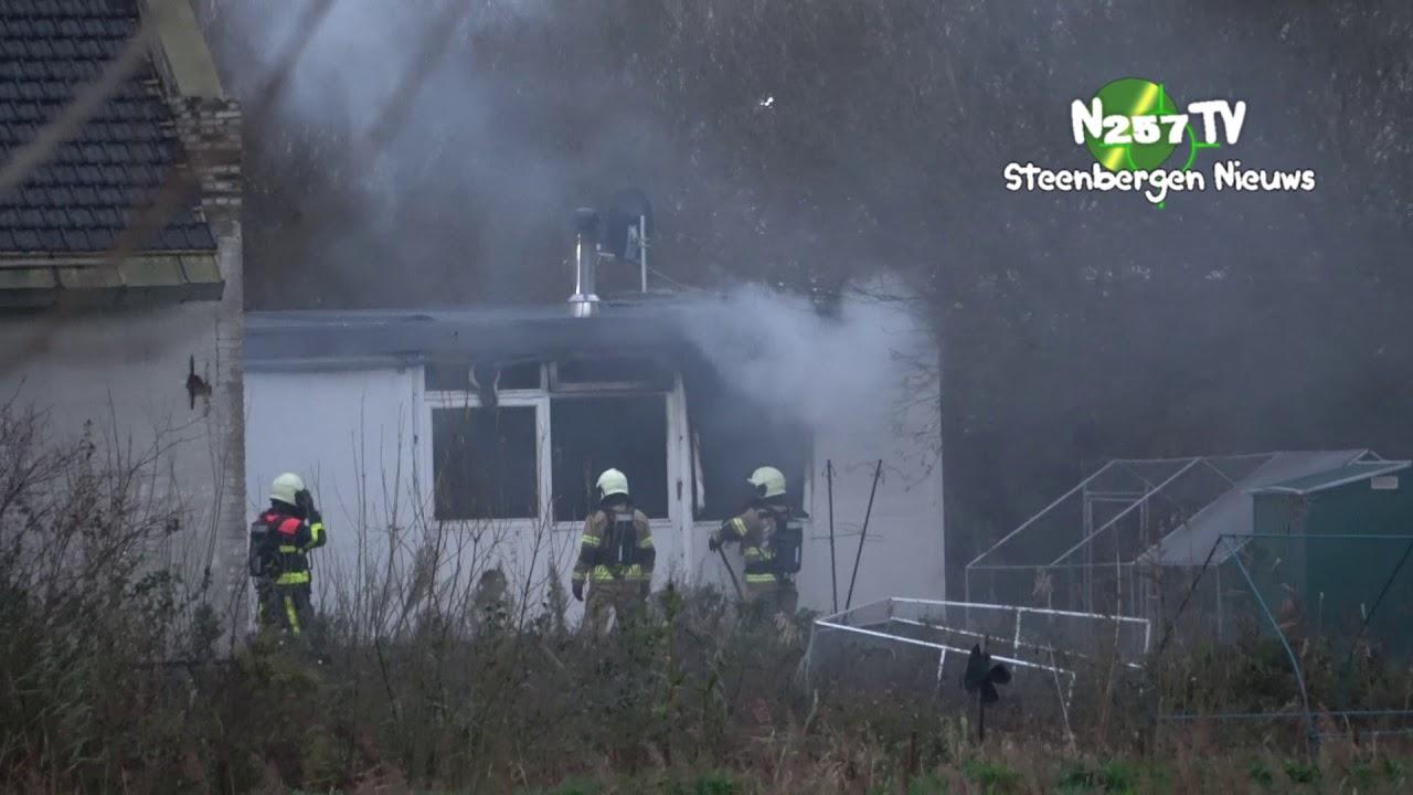 Brand gebouw Fort Henricusweg Steenbergen Geen gewonden brandweer rukt groot uit