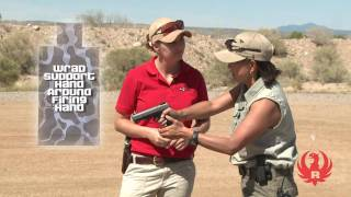 Beginner Shooting Tips w/ Il Ling New: Gripping the Handgun
