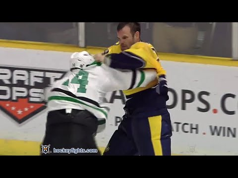 Jamie Benn vs Paul Gaustad