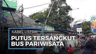Tersangkut Bus, Kabel Listrik Putus dan Nyaris Robohkan Tiang Listrik di Tanjung Duren