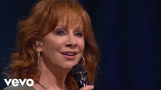 Reba McEntire – Fallin' Out Of Love (Grand Ole Opry Performance)