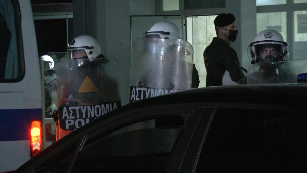 Δύο διαμπερή τραύματα έφερε ο 20χρονος που σκοτώθηκε στο Πέραμα, σύμφωνα με τον ιατροδικαστή