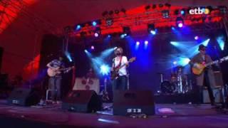 Dr. Dog - Hang On - Azkena Rock Festival 2009