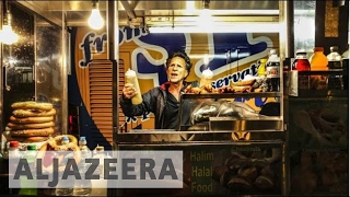 Snacking through the Big Apple: Food carts in NYC - Street Food - Video Youtube
