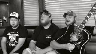 Callin' Baton Rouge Garth Brooks tribute by Luke Combs