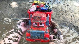 Cars 3 Treck Racers Lightning McQueen - Гоночные машины Тачки 3 - Mack Truck Kids toy videos