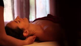 Massage Hawaïen - EcoleDuMassage.com