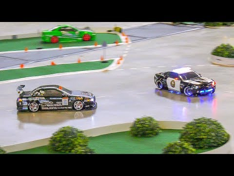 CRAZY DRIVER FOLLOWING A POLICE CAR!! STUNNING RC DRIFT CAR ACTION!! *MOBILE REMOTE