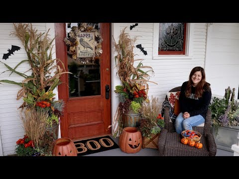 Decorating our front porch for Fall/Halloween! 🎃👻// Garden Answer