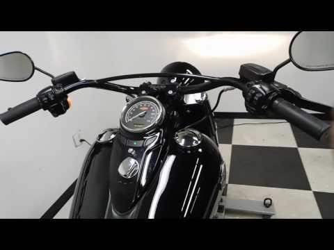 2016 Harley-Davidson Softail Slim® S in Eden Prairie, Minnesota