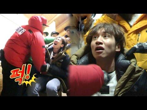 "《FUNNY》 Running Man 런닝맨  이광수, '가학수사'에 비명 ""경찰 불러!"" EP418 20160214 (видео)"