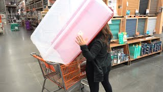 Shopping For Holiday Storage!    Off-Air With Sisanie