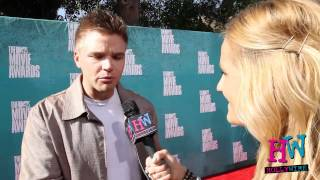 Brett nous parle de son admiration pour Johnny Depp