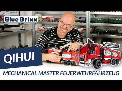 Feuerwehrfahrzeug mit Wasserspritzen 2 in 1