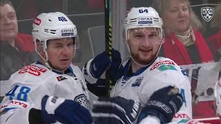 Starchenko scores off Bobkov back