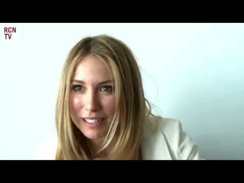 Falling Skies Season 3 – Sarah Carter Interview [VIDEO]