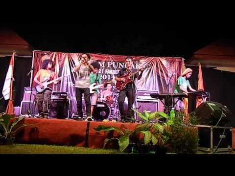 Arye de Siul - Hanya Senyuman (Live)