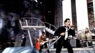 Robbie Williams - Let me entertain you ( Live at Knebworth )