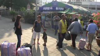 preview picture of video 'video essay 19 Hua Hin Railway station From Hua Hin to Bangkok by train ホアヒン'