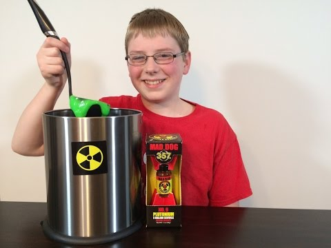 12-yr-old eats Plutonium (9 Million Scoville) Mad Dog 357 : Crude Brothers