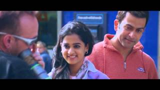 Kannadi Vaathil London Bridge Movie Video Song High Quality Mp3