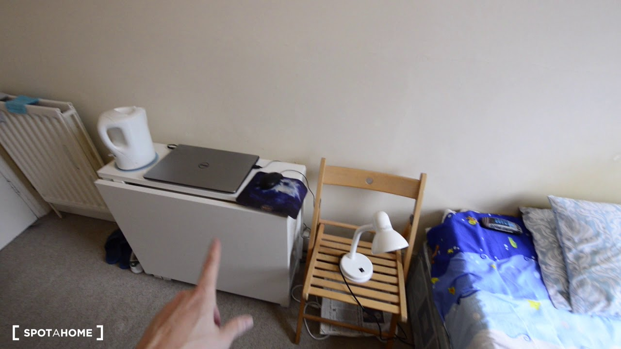 3-bedroom flatshare with rooms for rent near West Kensington tube station