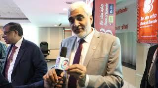 MVI 5698आर्य टीवी के संवाददाता बैंक ऑफ बड़ौदा के महाप्रबंधक डॉ.रामजस यादव से वार्ता करते हुए