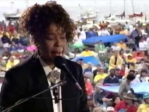 Roberta Flack - Feel Like Making Love - 8/16/1992 - Newport Jazz Festival (Official)