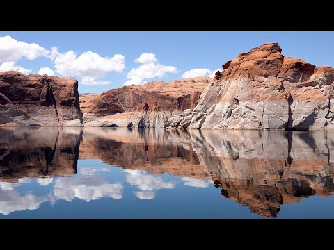 Admire the Magnificent Lake Powell-Glenn Canyon in HD