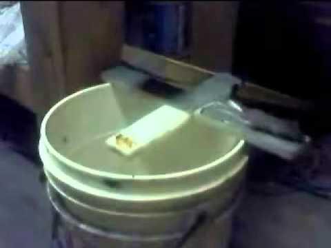 Como puedo elaborar una trampa para ratones como un pega ratones porque no los puedo atrapar - Como hacer una trampa para ratas ...