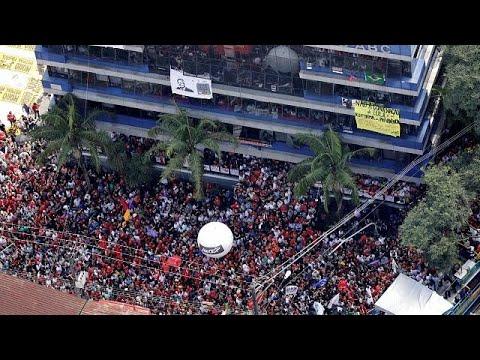 Χιλιάδες Βραζιλιάνοι δίπλα στον Λούλα Ντα Σίλβα