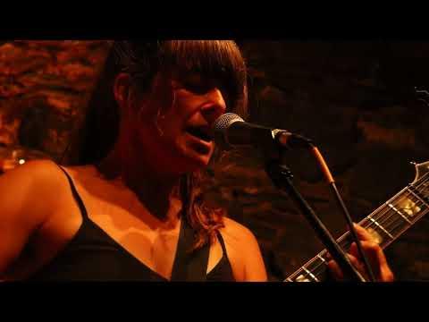 Can't Make It No More - Julie Doiron live at Five & Dime 10/08/17