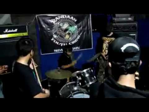 Brutal Autis live at Otak Studio Pandaan Indonesia