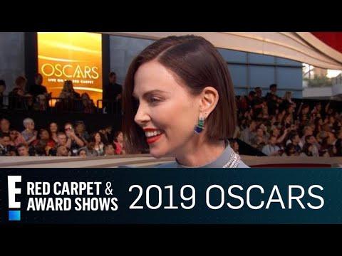 Charlize Theron en haar ma by die Oscars