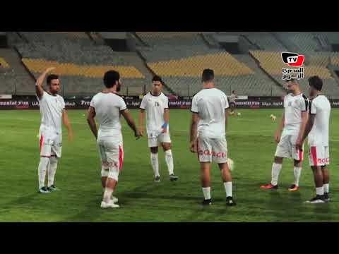 حازم إمام وعبدالشافي ومصطفى محمد يردون تحية جمهور الزمالك لهم قبل بداية المباراة