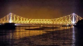The busy Howrah Bridge, Kolkata