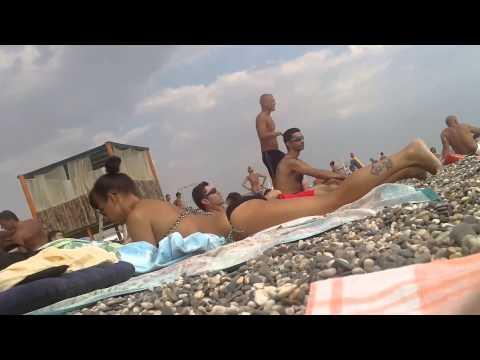 Скрытая камера в нудистском пляже видео такое