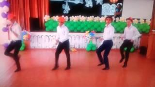 8 марта Танец парней,  хип хоп легкий танец