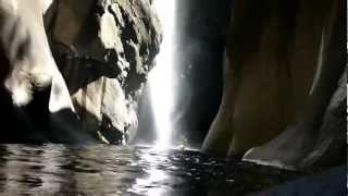 preview picture of video 'Canyoning, île de la Réunion, Trou Blanc'
