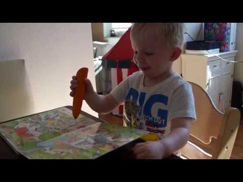 17.06.2015 Jonahs erste Erfahrungen mit dem Tip Toi Wimmelbuch;-)