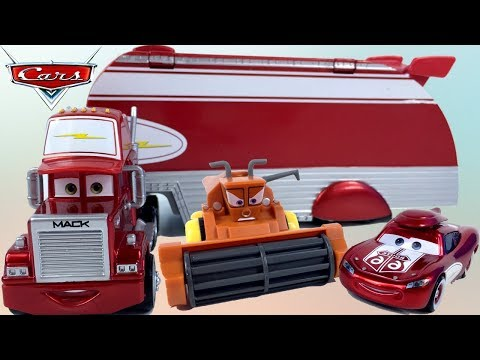 ROAD TRIPPIN' MACK DISNEY PIXAR CARS STORY WITH LIGHTNING MCQUEEN AND MATER ESCAPE FROM SCARY FRANK