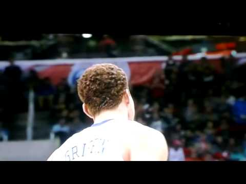 Blake Griffin doing the Nasty, Holy Shizzzzy!