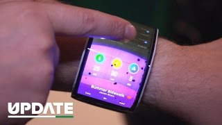 A phone you can bend around your wrist (CNET Update)