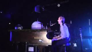 2015-11-21 - Upstate Concert Hall - Andrew McMahon in the Wilderness - Rainy Girl