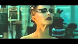 Black Swan - Nina Si Trasforma In Cigno Nero