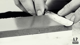 09. Wie schärfe ich eine Rasiermesserklinge am Schleifstein? | A.P. Donovan Rasiermesser Akademie.