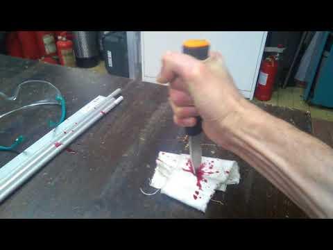 Трюковой нож с кровью