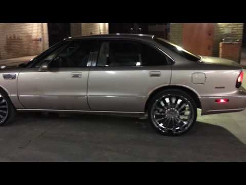 "1998 Oldsmobile 88 on 22"" Chrome Rims"