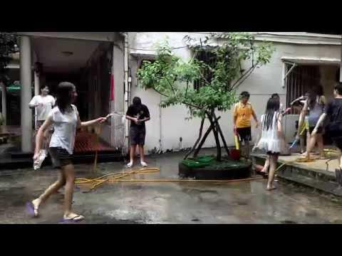 中学生の水遊び。スケスケになっても誰も止めませんからww
